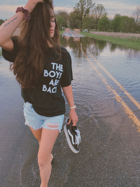 Boys Are Back tee
