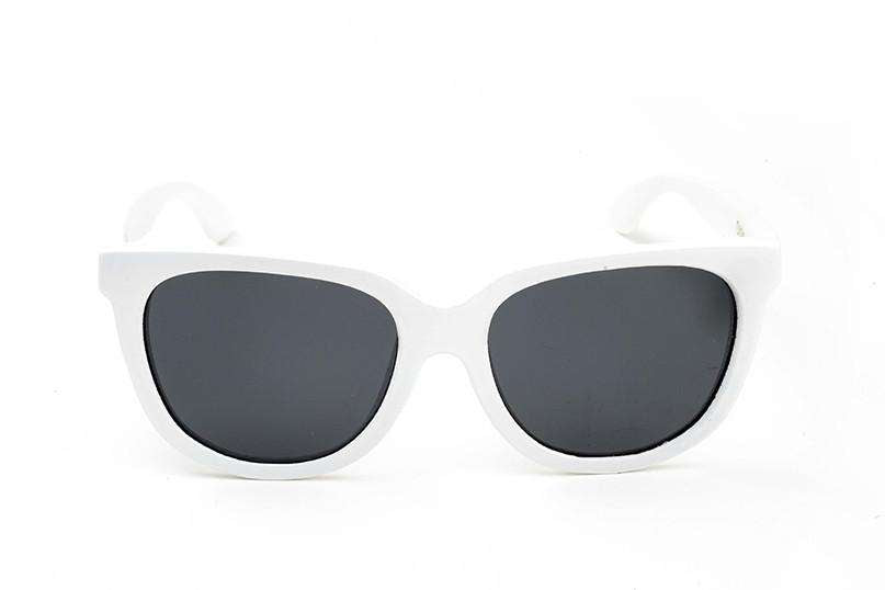 White Olalla Sunglasses With Smoke Polarized Lenses