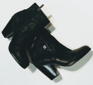 Vince Camuto black leather boot - size 6