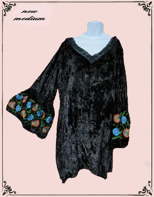 A&A crushed velvet look top with embroidery - beautiful! Size - small/med