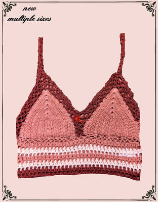 Chelsea and violet adorable knit crop top - a real eye catcher!