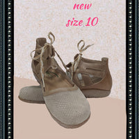NAOT shoe/sandals - cute - size 10 (b)