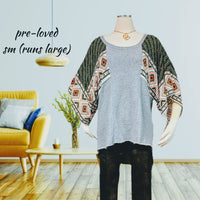 Free people knit top - adorable sleeves - size small (runs large) (b)