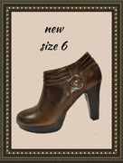 Chaps ankle booties - adorable - size 6 (b)