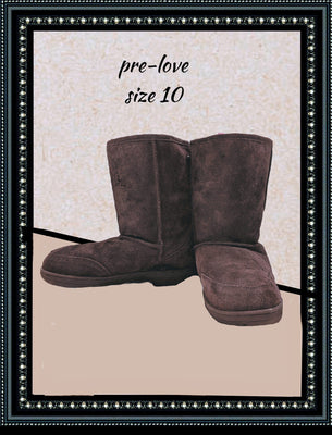 Bear paws boots - so comfy - size 10 (b)