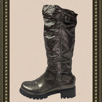 Khombu metallic boots -  comfy and unique - size 8 (b)