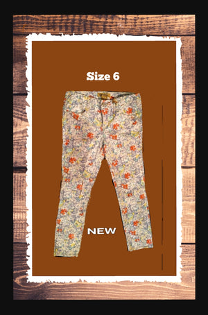 Democracy printed  jeans   size 6 (b)