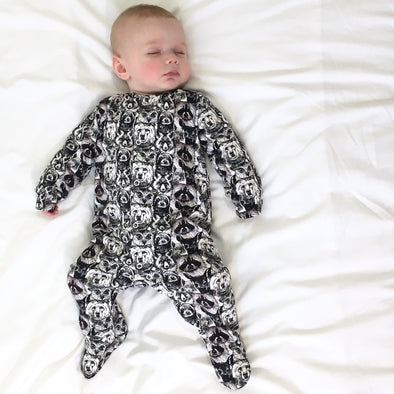 Midnight Gang print cotton sleepsuit