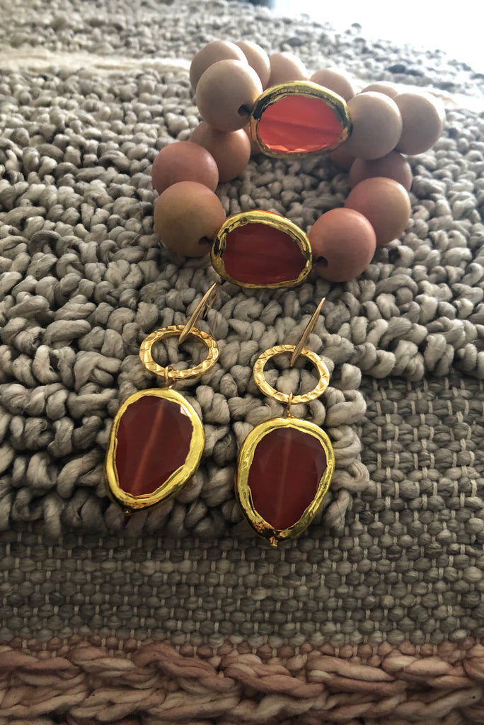 Gold earrings with Cat's Eye stone