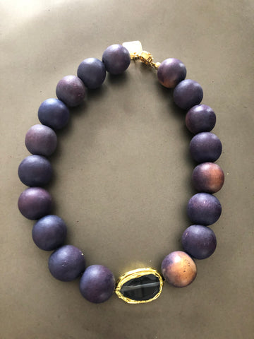 Wood beads necklace with cat's Eye stone