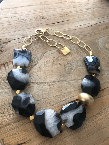 Black and White Agate necklace in 24K Gold plated