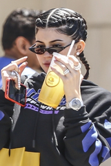 A sneak peak of Kylie's Street look in our Nora NYC eye wear. For more CLICK HERE
