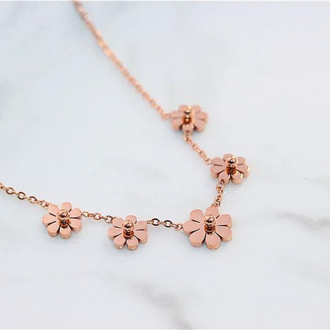 Seven Daisy Necklace Stainless Steel Jewelry for Woman
