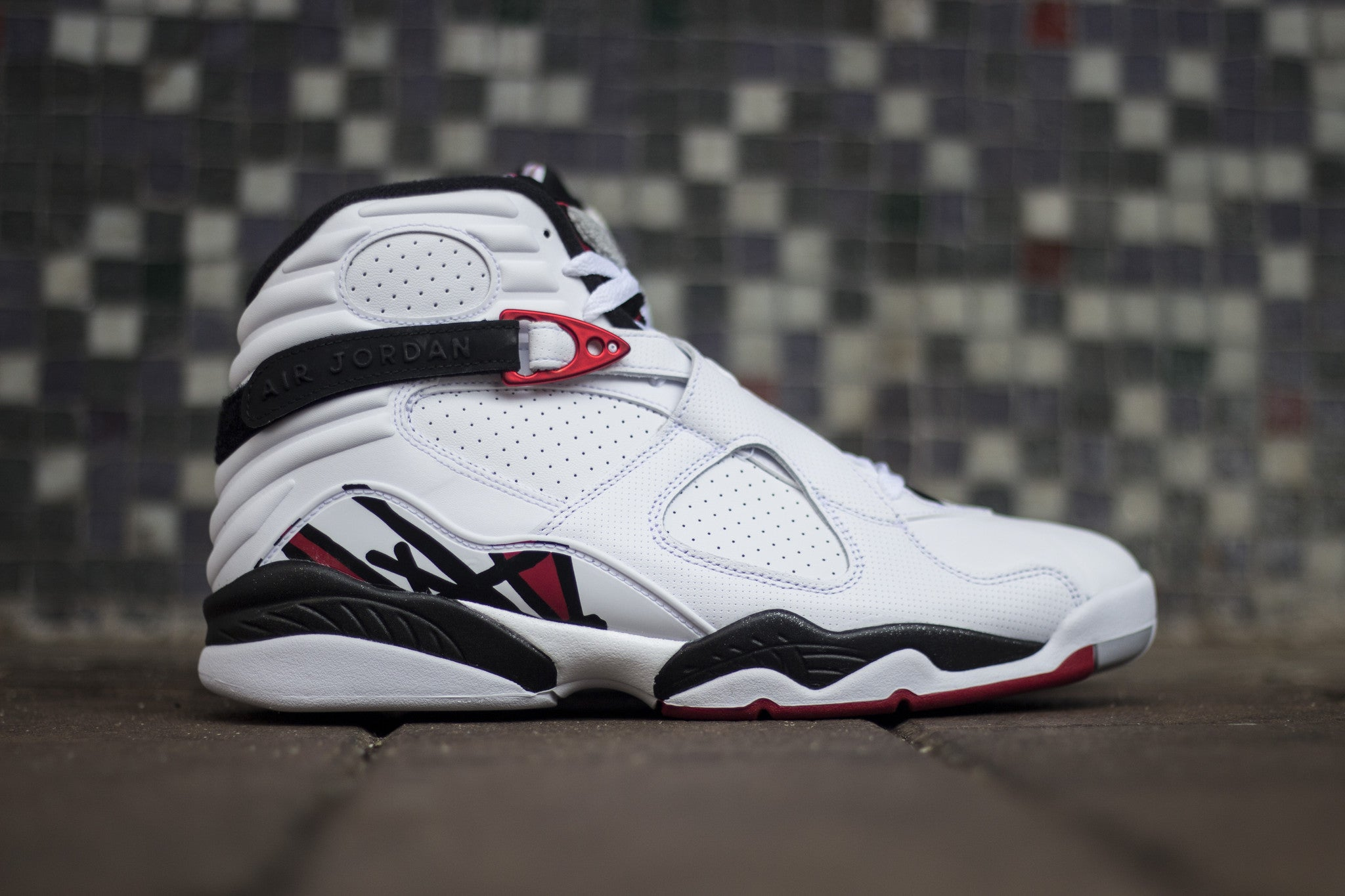 "AIR JORDAN 8 RETRO ""ALTERNATE"" RELEASING 25 Feb 17"