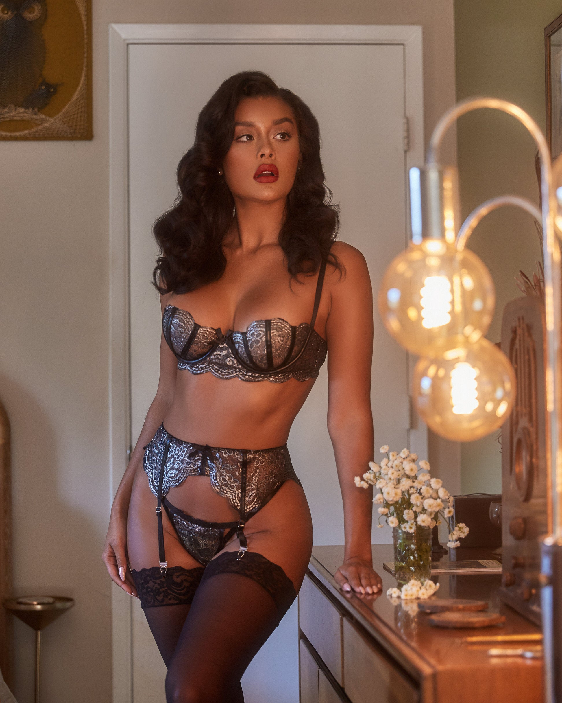 LI404 - 3pc Metallic Bra & Garter Set