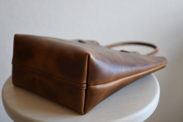 Leather Market Tote Bag in Chestnut Horween Leather