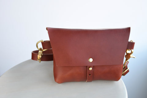 The Bogotá Hip Bag - Dark Umber Vegetable Tanned Leather