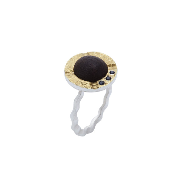 Stackable Ebony and Sapphire Ring with Hammered Gold