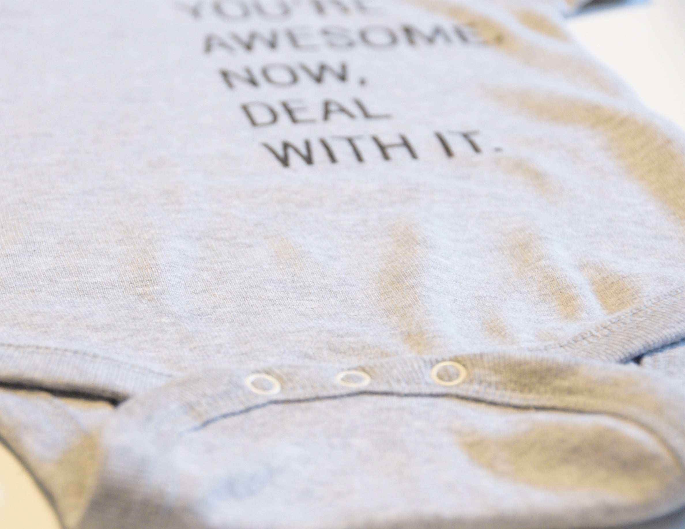 YOU'RE AWESOME. NOW DEAL WITH IT. // Cache-Couche Enfant Gris // Heather Onesie