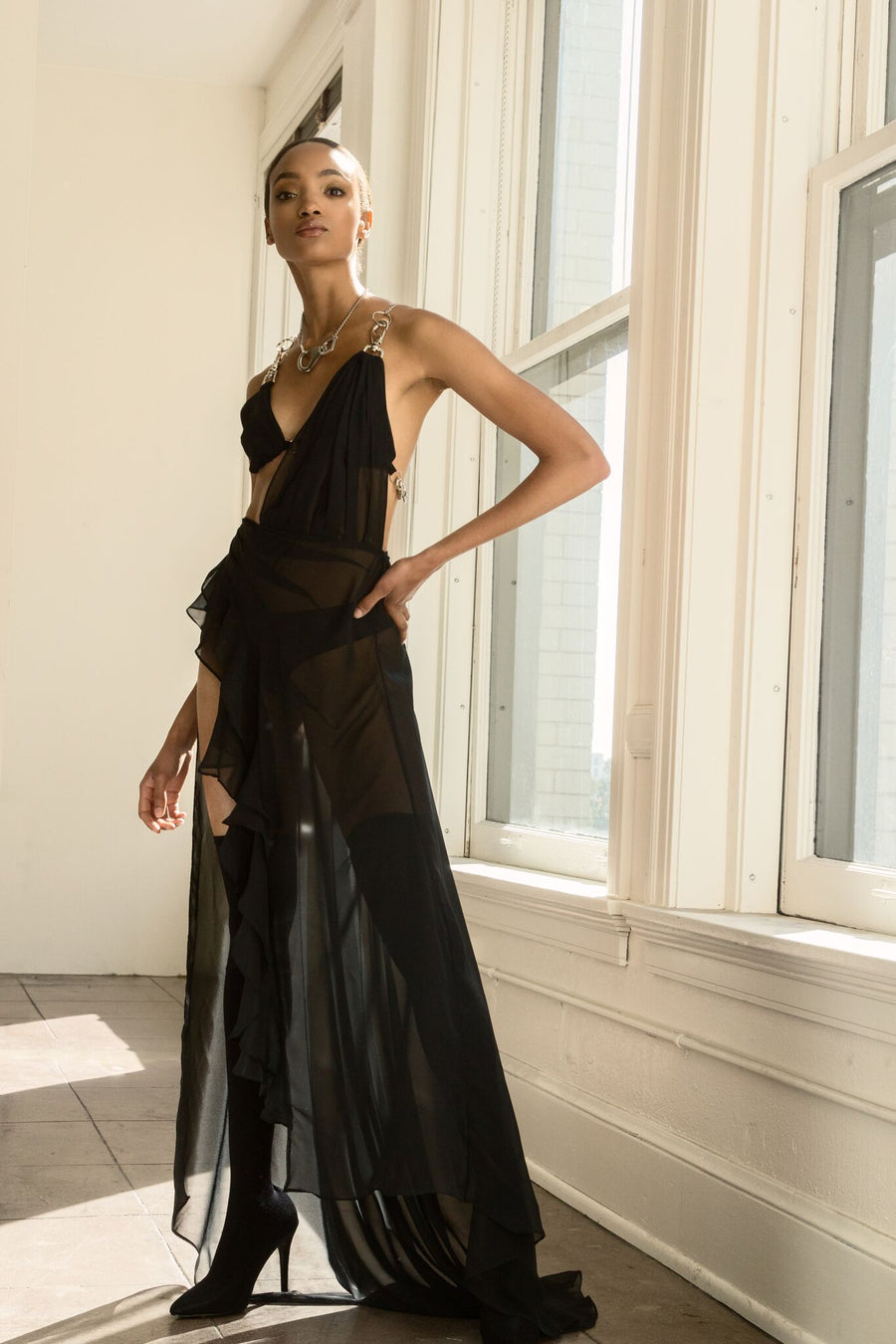 Black Chain Gown - UTIERRE