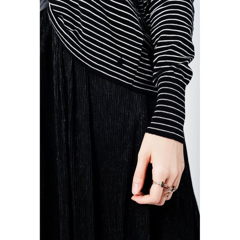 Fine knit white stripe V neck Hi Lo sweater