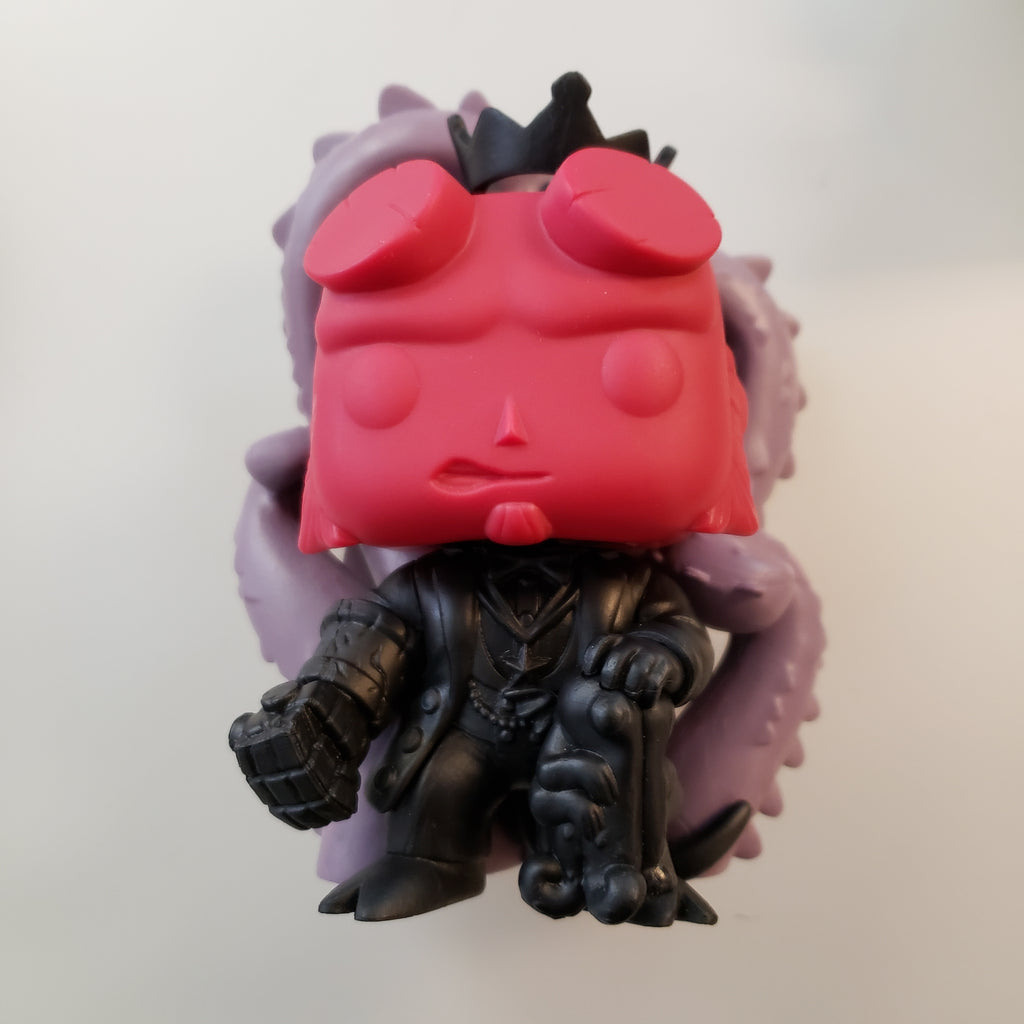 Hellboy in Suit [SDCC] Proto