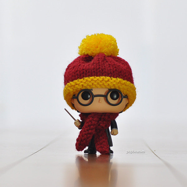 Pop! Apparel Knitted Beanie & Scarf Set [Gryffindor] - Fugitive Toys