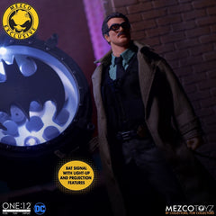 Mezco One 12 x DC Commissioner Gordon and Bat Signal Deluxe Edition [2019 SDCC]