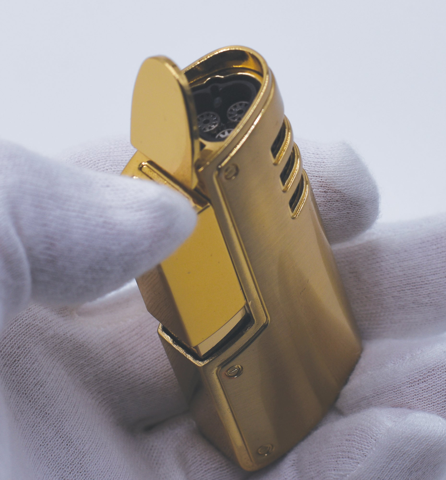 Sikaro Cyclone Triple Torch Lighter w/cigar punch 06-06-303 Titanium