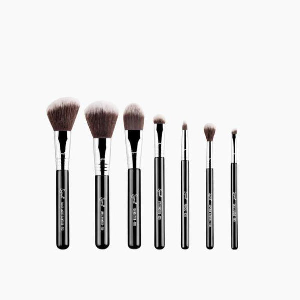 *pre-order 4 weeks* Sigma TRAVEL BRUSH KIT - MR. BUNNY