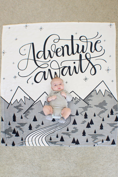 Fleece Blanket - Adventure awaits