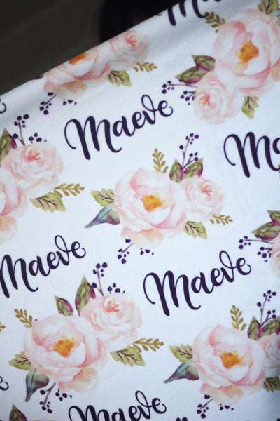 Fleece Blanket - Custom name and blooms - Vintage pink - 0P50 - howjoyfulshop