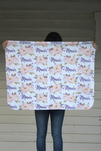 Fleece Blanket - Custom name and blooms - Vintage pink - 0P50
