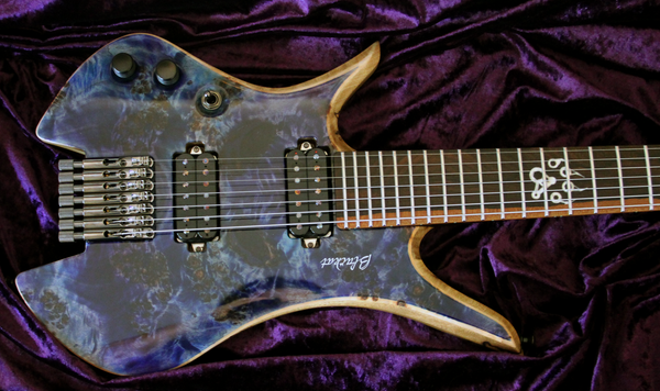 Blackat Guitars. HDA 7 String Multiscale Headless