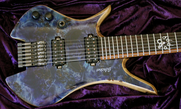 Blackat Guitars. HDA 7 String Multiscale Headless 1