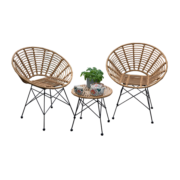Outdoor patio setting Isla, made from plastic/PU simulated cane, in natural cane finish.