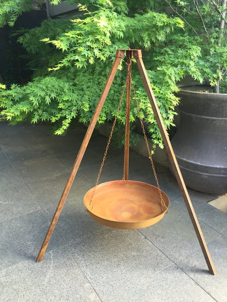 BOWL ON TRIPOD STAND-RUSTIC 123x102x147CM High