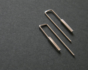 Bar dangling earrings