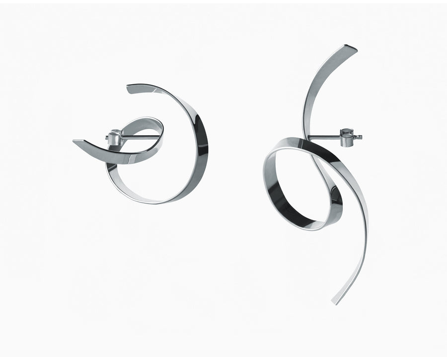 Mismatched curved lines earrings