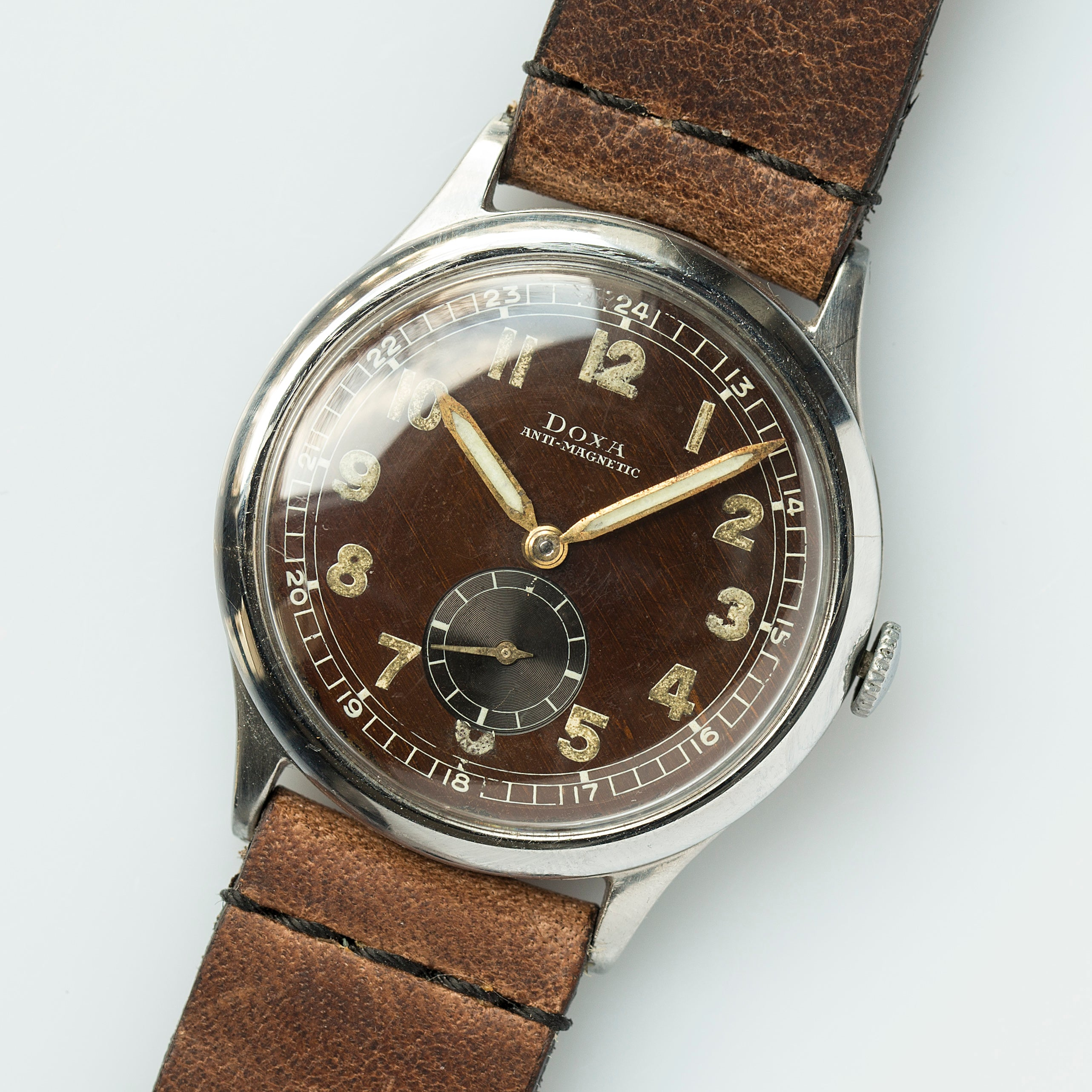 Raw View #6 - 1943 Doxa Military Tropical Dial