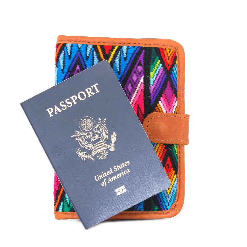 Hiptipico Passport Wallet