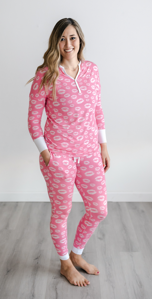 Pink Kisses Two-Piece Women's Bamboo Pajama Set