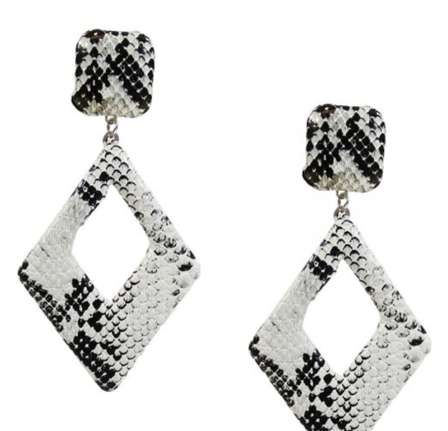 Snakeskin Print Narrow Diamond Earrings