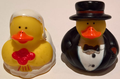 Bride & Groom Rubber Duckies - Pack of 12 Ducks