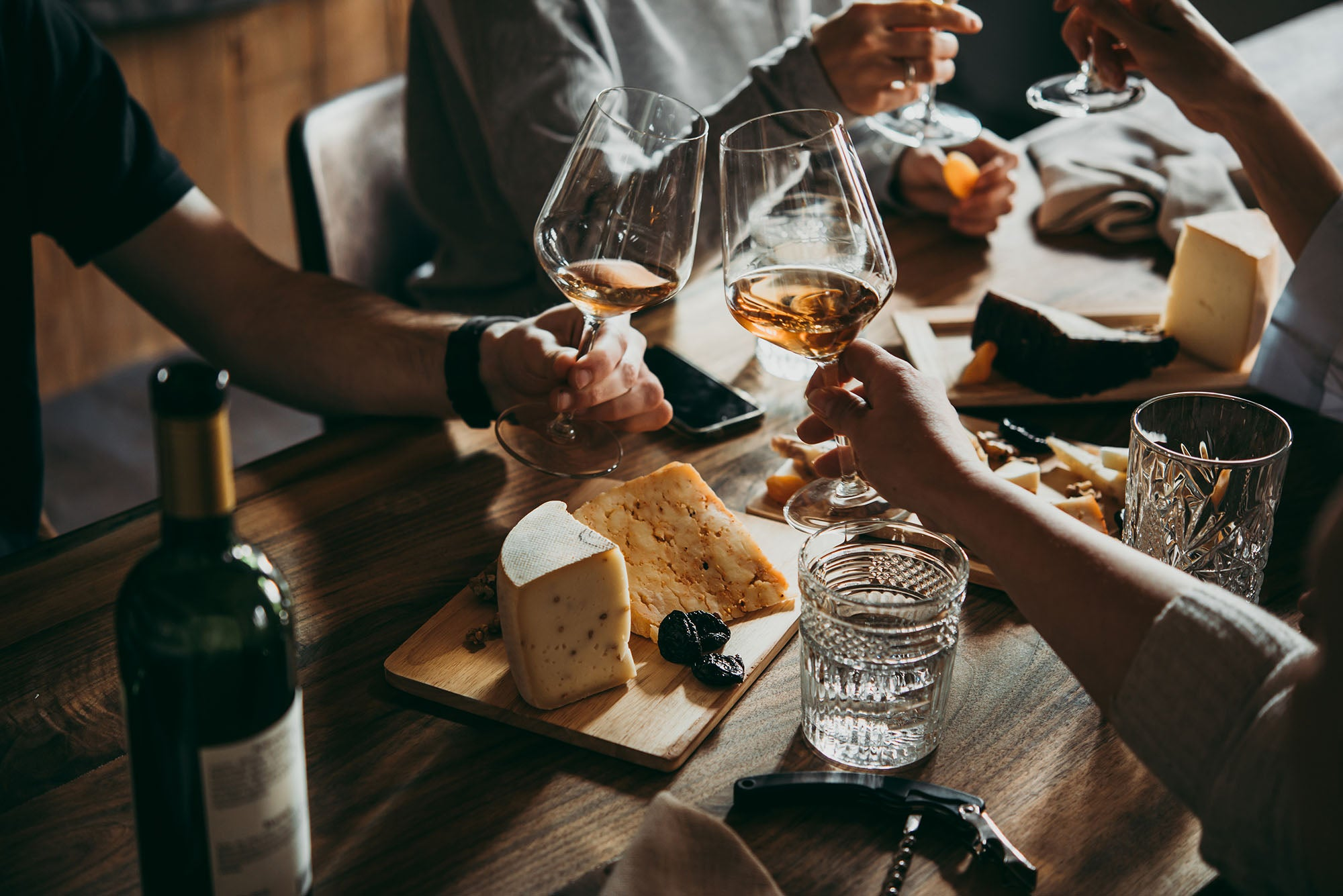 Quick Tips for Throwing a California Style Wine and Cheese Party