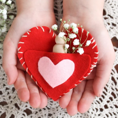 Valentines heart pocket from the Moon Child Blog on Bella Luna Toys