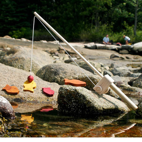 Fishing Game Toy : Wooden toy fishing pole magnetic game