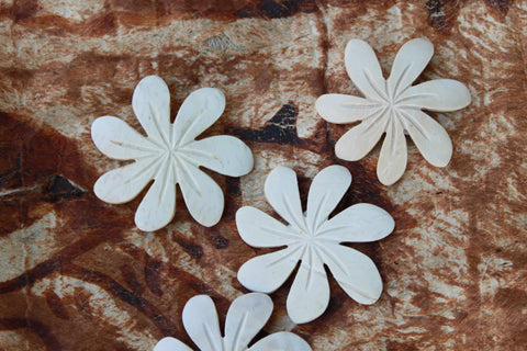 Coconut wood flowers