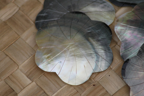 Large mother of Pearl flower shape