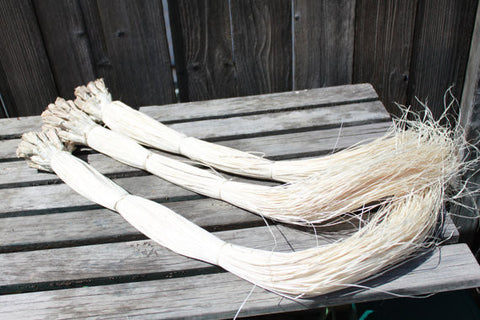 Huge Bundle of ni'au blanc, 400 strands